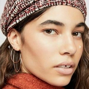 Free People NWT Hat~ADORABLE & Stretches!